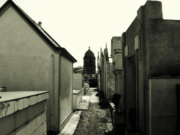iglesia-de-san-martin-de-laspra-vista-cementerio