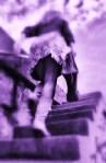 ella-subiendo-las-escaleras